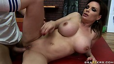 MILF holds her legs up to better let her lover pound at her cunt