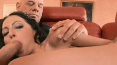 Married Veronica Jett cheats with two dudes in a threesome going all out in all holes