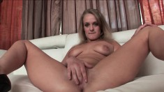 Kensey Knox fingers her wet peach and gives an awesome blowjob in POV