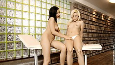 Shy growling slut wipes her smelly dugout after lesbian session finishes
