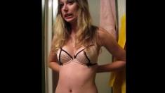 Teen Amateur Girlfriend Striptease in Shower