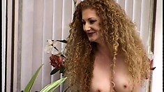 Skinny tart with curvy head gets some hard meat in her pussy