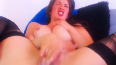 Naughty Babe Makes Her Pussy so Wet