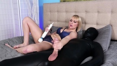 Blonde babe gets wet while giving handjob